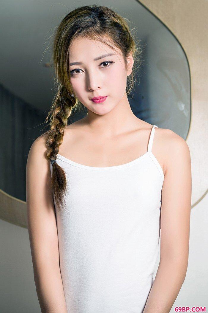 美丽美娇娘朵朵柔嫩肌肤艳溢满浴室_西西人体乳头高清图片大全