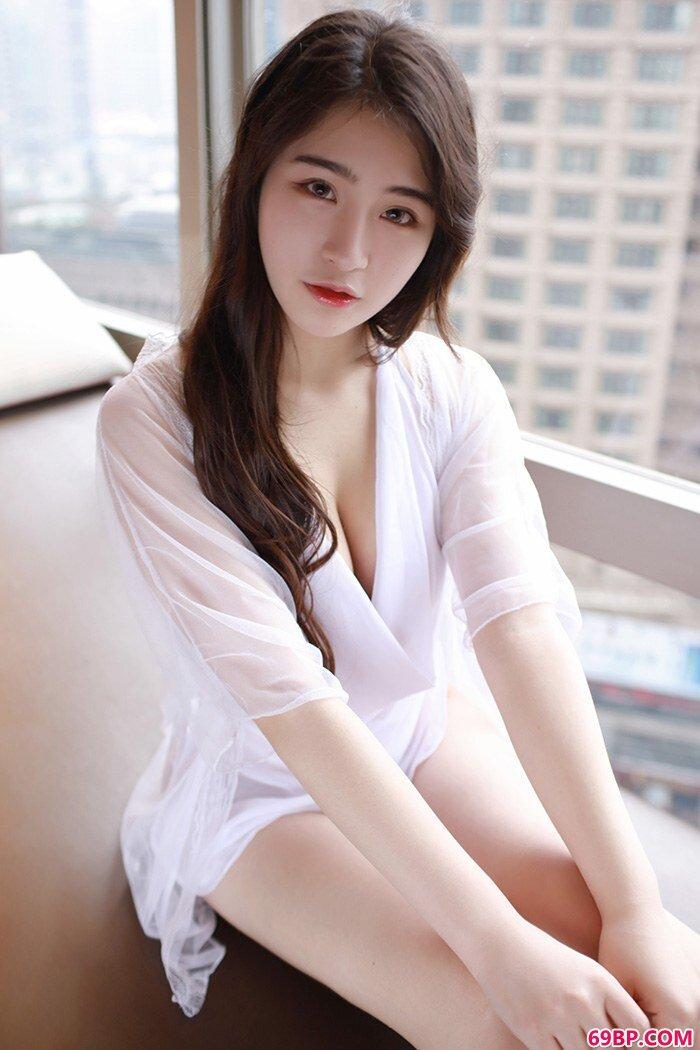 宅男御姐宅兔兔肤白貌美清秀可人_gogo西西裸体艺术