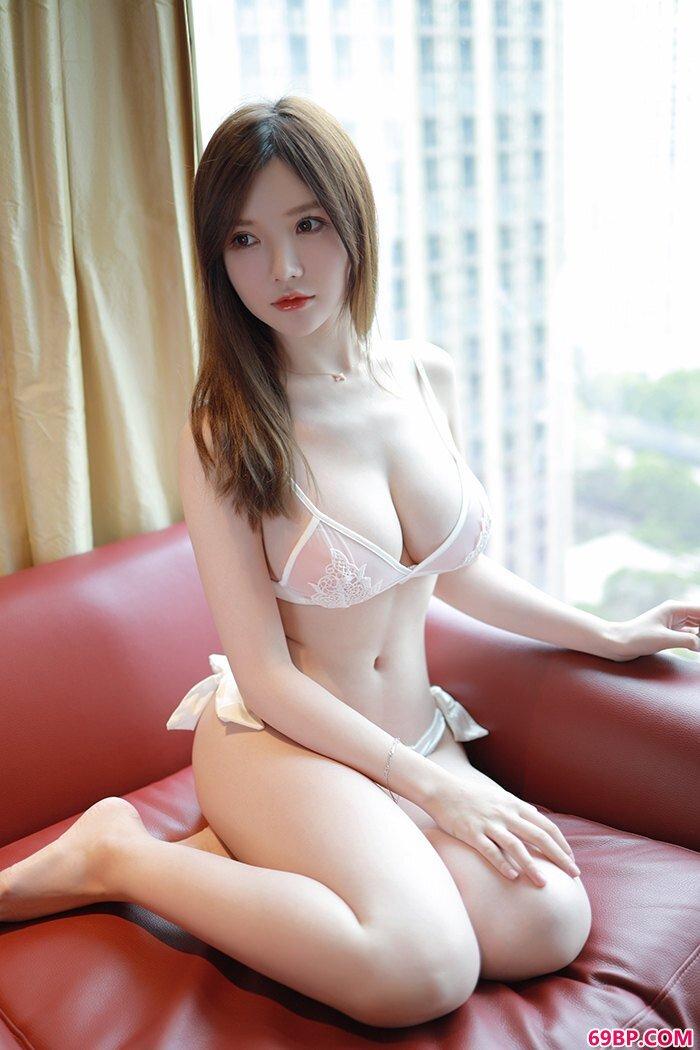 娇羞人妻糯美子天然巨胸香滑可口_西西人体艺术专业美女图片