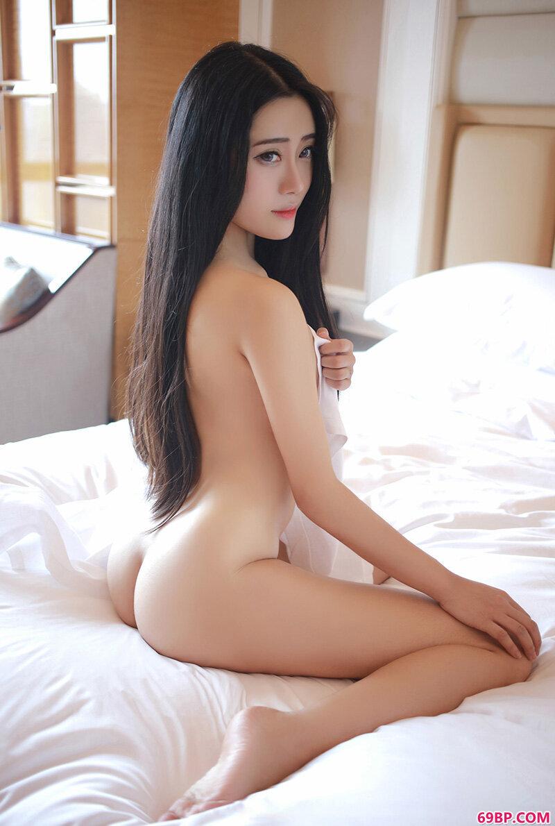 靓女兜豆靓诱人肥臀性感内衣私拍摄影图_走毛文化节