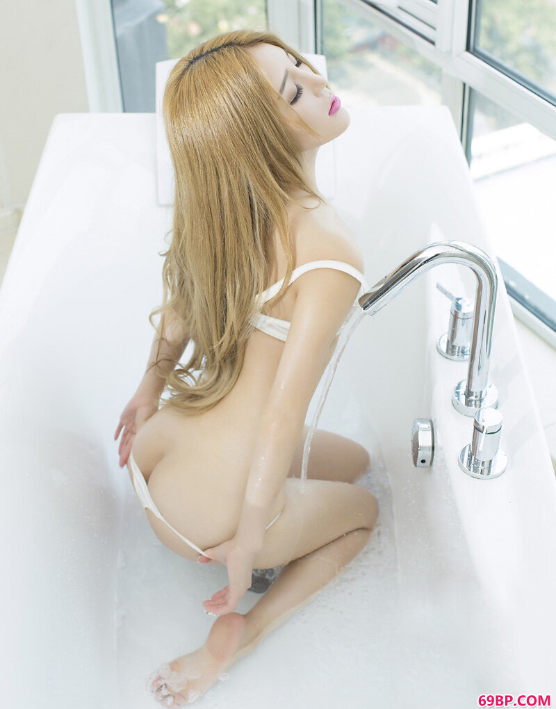 尤果网candy三美胴体的诱人_扒开腿开嫩苞