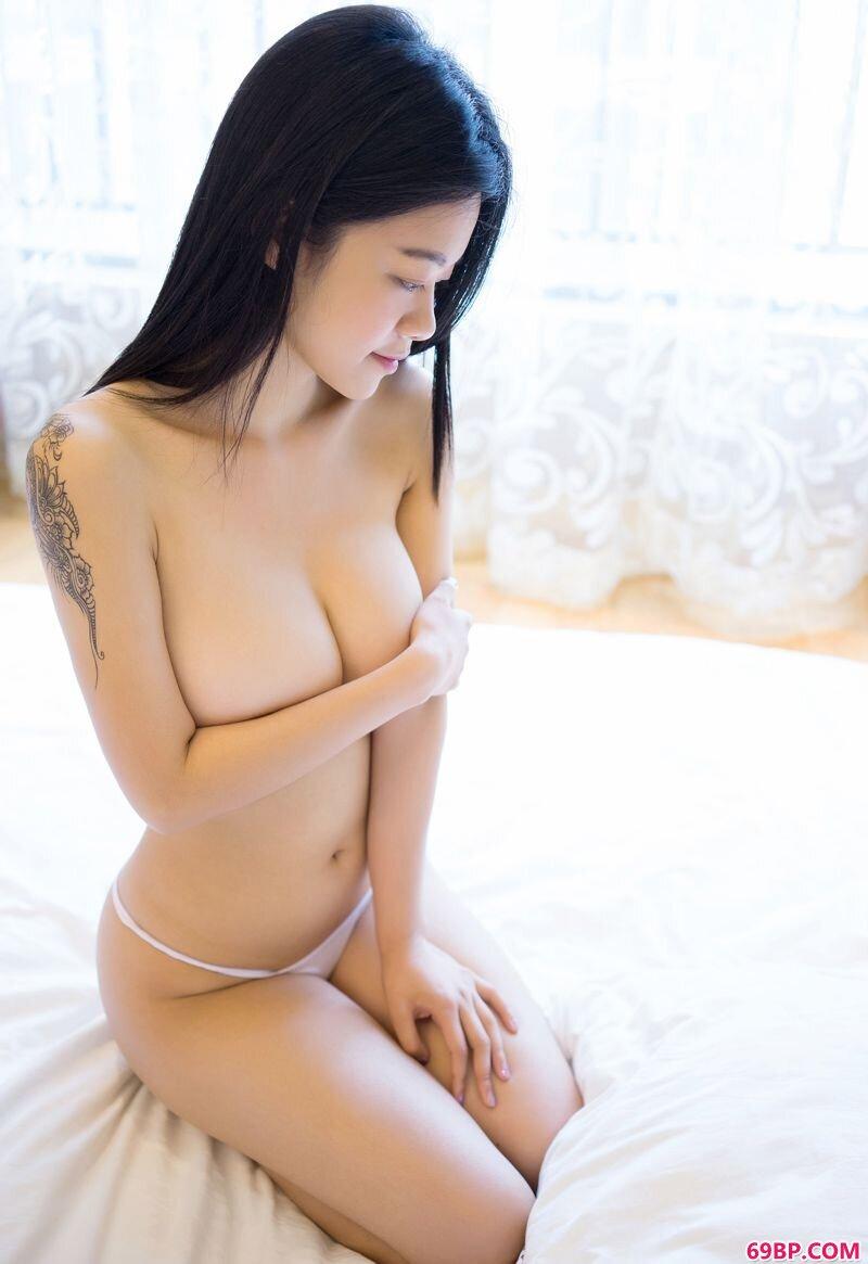 好身材少女琪琪美乳诱惑_西西人体改版打造大胆摄影