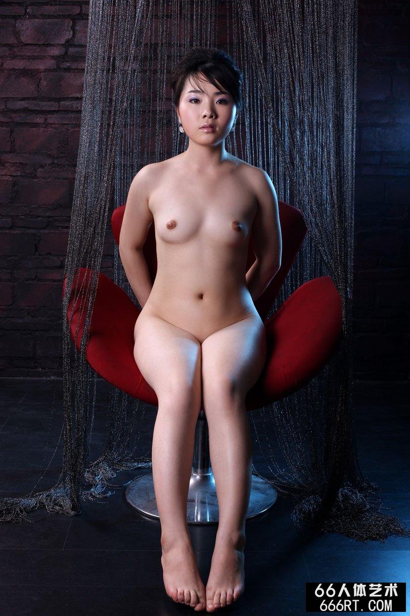 模特莱莱09年2月15日室拍作品上_娇吟浴室h