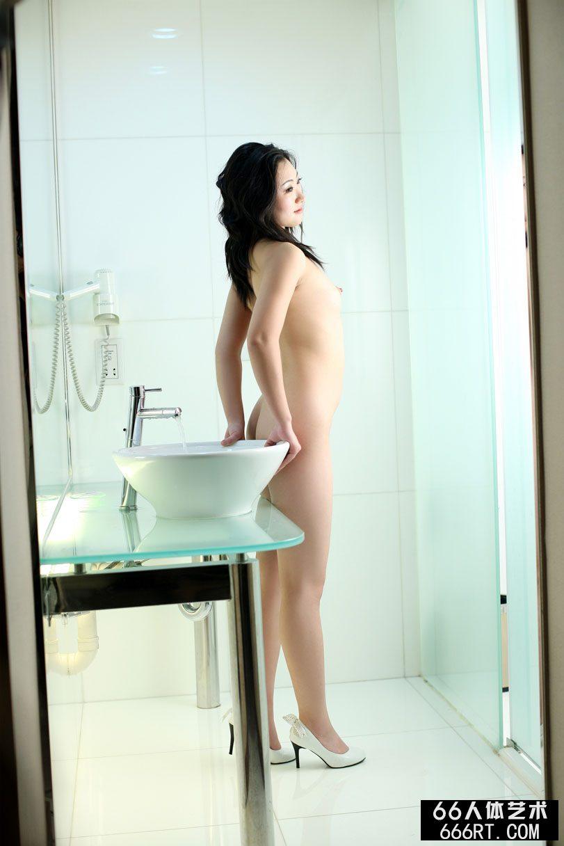 中国piss偷拍TV_美模安安08年10月8日酒店棚拍