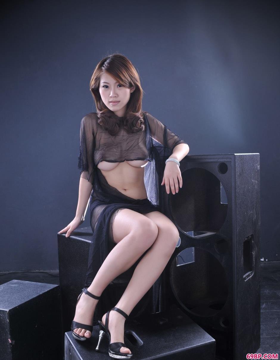 超模佳佳室拍丰润人体1,香港空姐的人体艺术