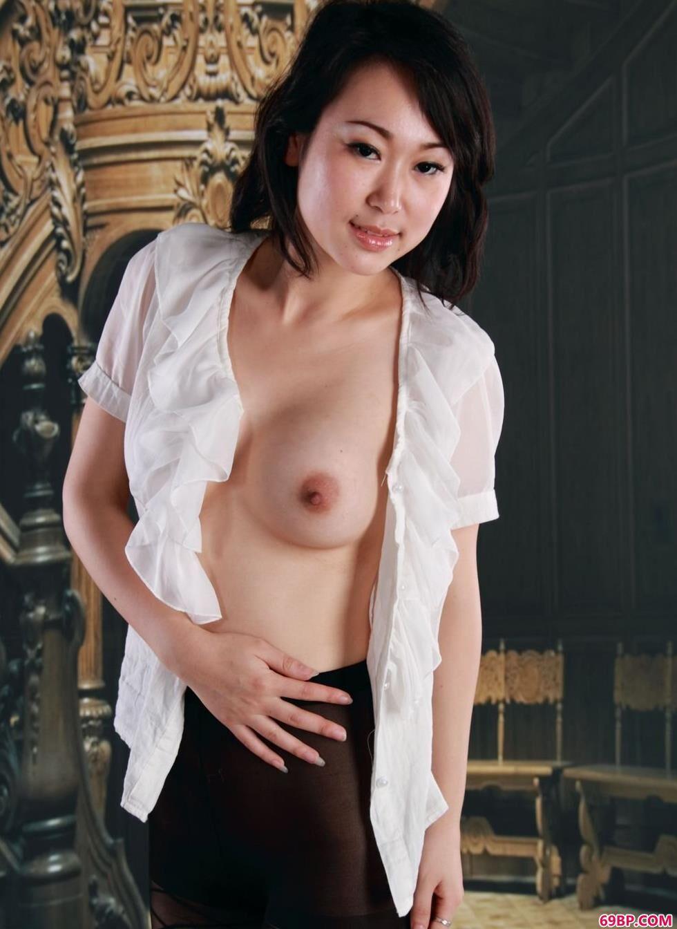 裸模苏蕾老房子里的古典人体