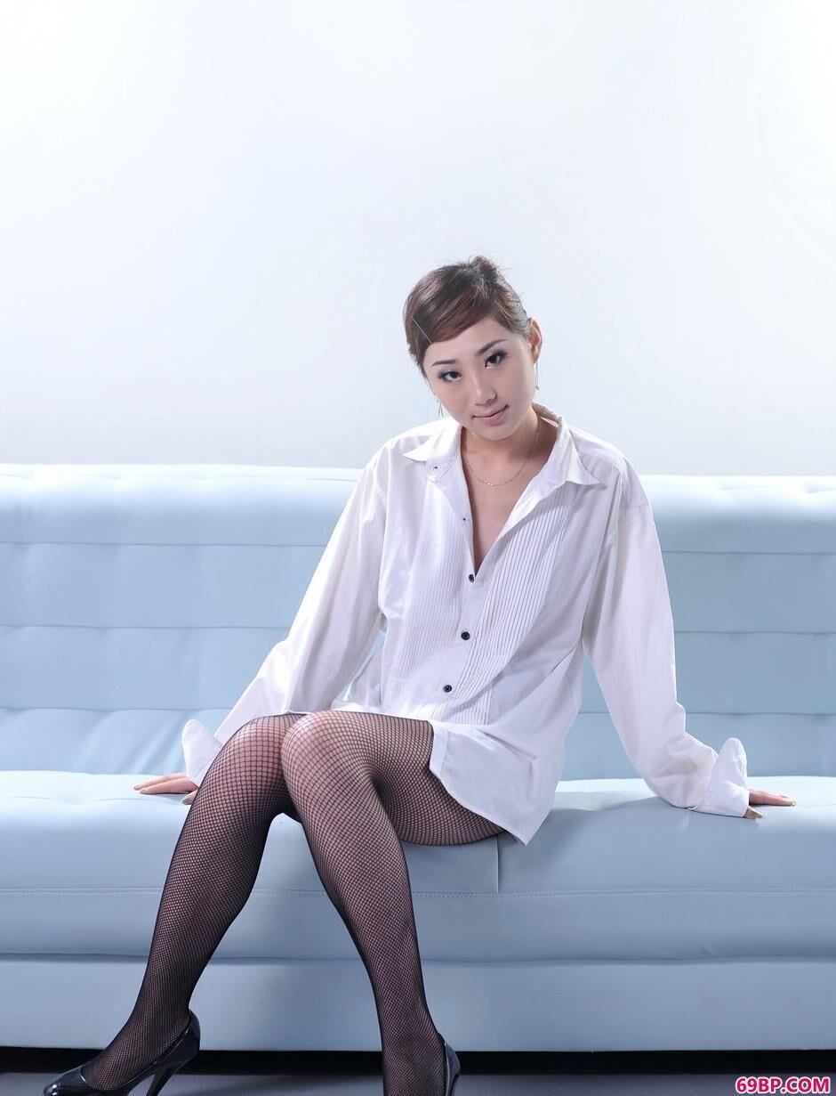 靓妹柠檬办公椅上的office人体_男女人体图片