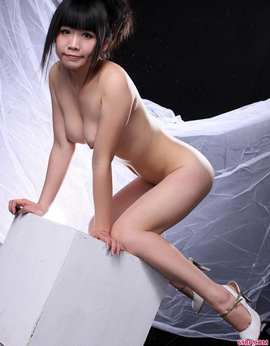 室拍爱运动的裸模晶晶2