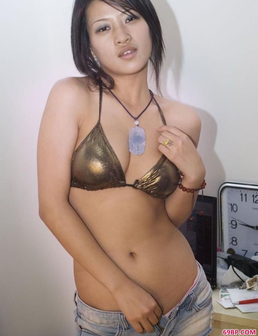 裸模优璇风采依旧,西西大胆艺术专业网站