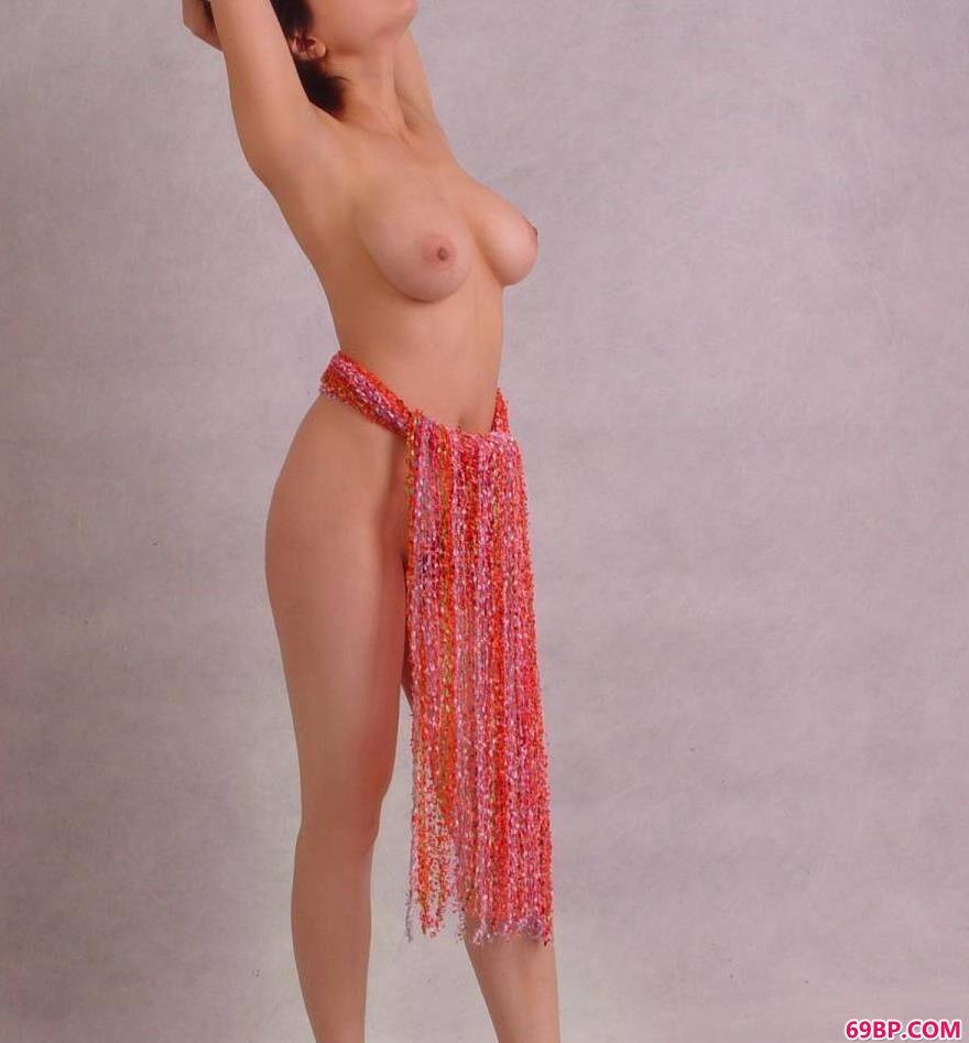 丰腴母性之美裸模塔塔4_色炮150p图