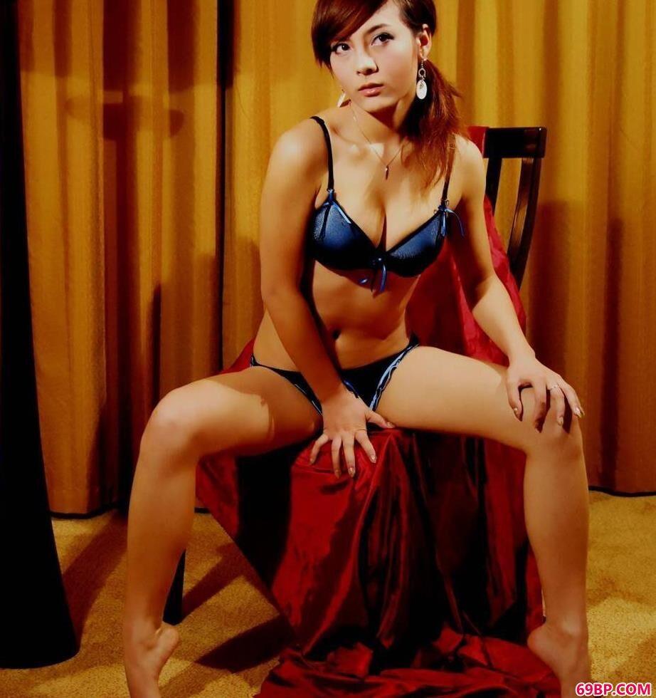 极品嫩模大胆私拍mb_完美气质的超模安娜