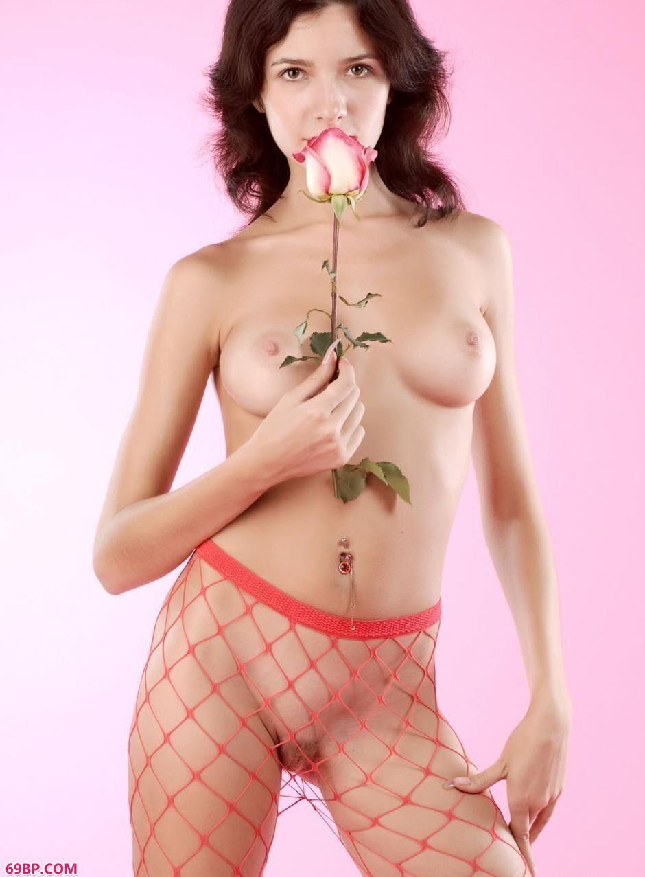 美模Gwendolyn室拍红色网衣_13一14欧美嫩交