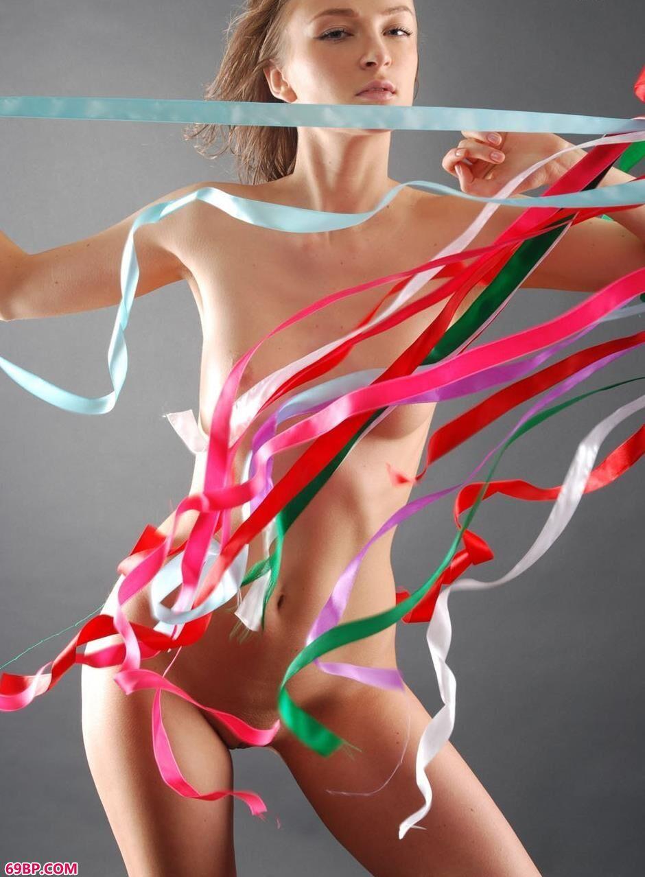 MARINA彩色丝带人体7