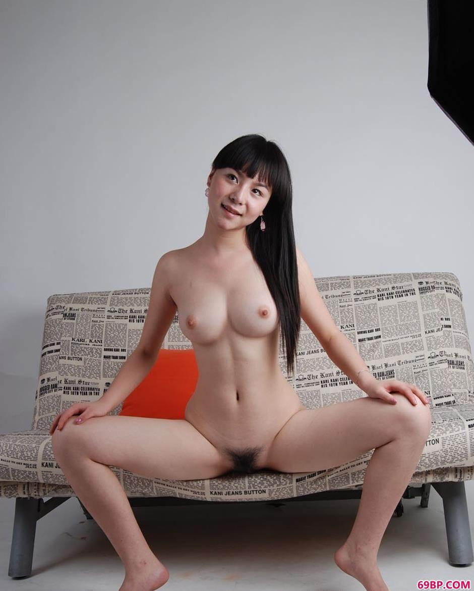 裸模苏凡沙发上的大尺度人体_人体艺术人体艺术