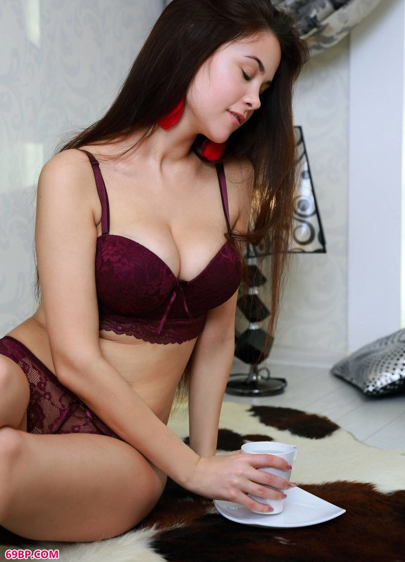 咖啡识美人MartinaMink